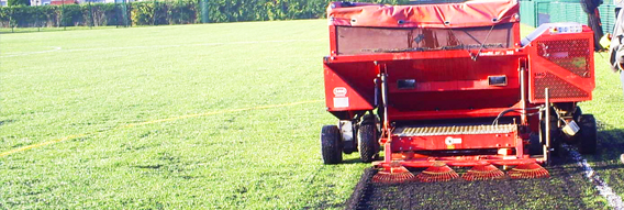 Adding rubber infill to a 3G pitch